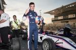Francesco Pizzi continua la sua striscia di vittorie a Yas Marina Circuit