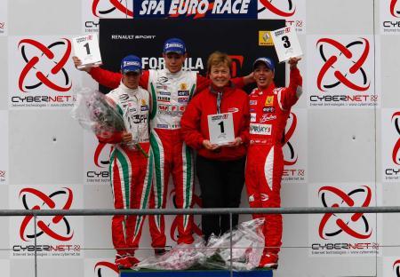 podium-race_0906