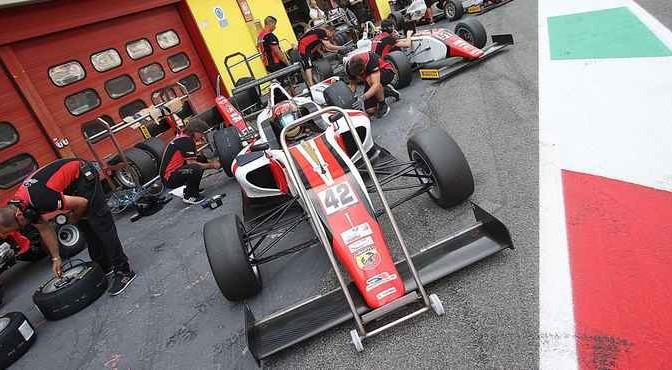 Artem Petrov (DR Formula,Tatuus F.4 T014 Abarth #42)